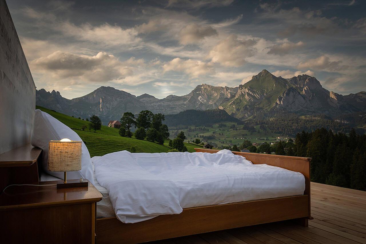 Zero Star Hotel, Switzerland
